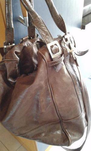 21f17a398 Argentina. Vendo cartera de cuero color marron oscuro, 2 manijas corta