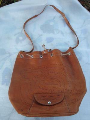 366375c530ce Cartera bolso de cuero color suela marron medidas largo 36cm