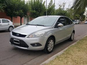 Ford focus ghia 70.000km nuevo! 2010 permuto o contado