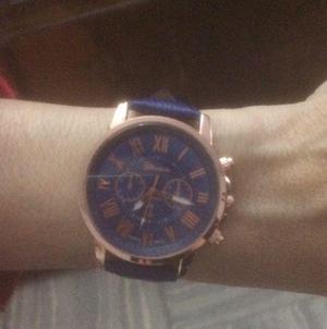 Reloj pulsera azul importado