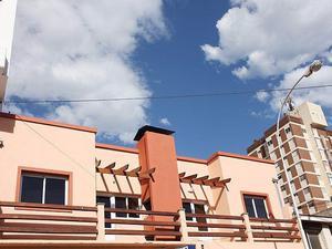 Departamento con balcón y cochera. código 37.