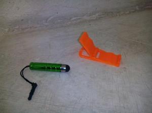 Mini lapiz optico mas mini porta celular/tablet