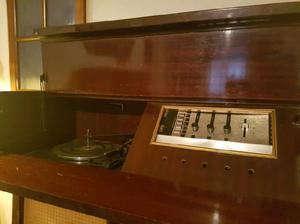 Mueble tocadiscos combinado antiguo