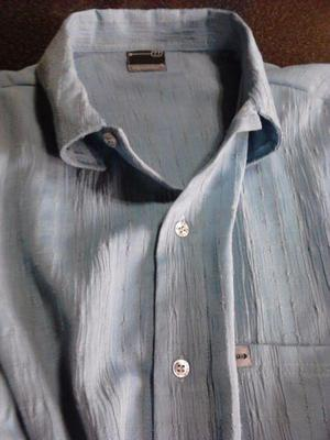 Vendo camisa de hombre color celeste oscuro, tela tipo