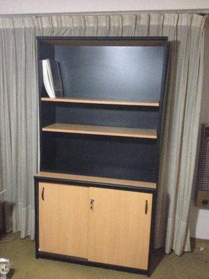 Comoda y biblioteca en madera haya y negro oficina