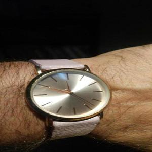 Reloj pulsera isadora unixes dorado malla simil cuero