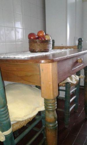Mesa estilo campo patinada 2 sillas