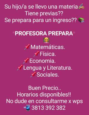 Profesora prepara alumnos