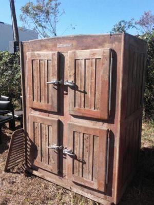 Restaurar puertas de madera affordable reciclar de puerta for Restaurar puertas de madera interior