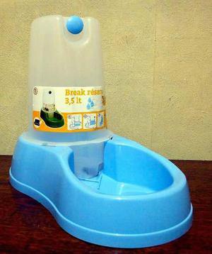 Bebedero automatico mascotas - 3,5 litros - importado