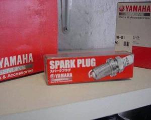 Bujía original de motores fuera de borda yamaha 40hp 2 cil