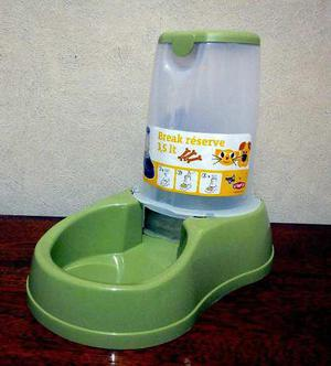 Comedero automatico mascotas - 3,5 litros - importado