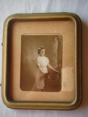 Portarretrato de madera y yeso antiguo 18 x 15