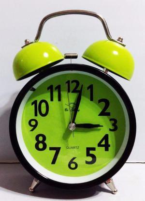 Reloj despertador doble campana con luz diseño moderno