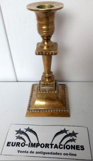 Candelabro porta vela de bronce macizo 405 grs.