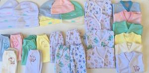 d1d5cdc11 Set ajuar regalo bebé recién nacido bata + rana+ gorro