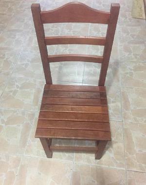 Vendo seis sillas y mesa algarrobo