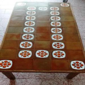 Mesa ratona de madera y ceramica