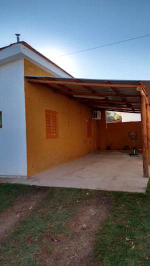 Alquilo casa para 5 personas. a cuatro cuadras del balneario