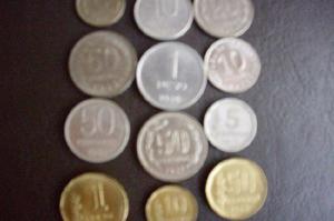 Lote de monedas nacionales y extranjeras