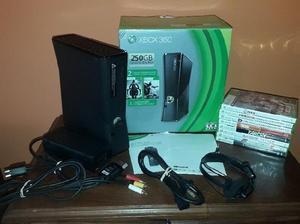 Xbox 360(completa) 250 gb 18 juegos(físicos y digitales)