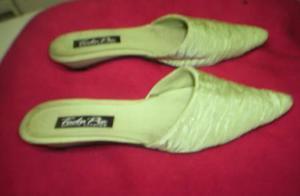 Zapato 39 verde o negro o dorado $300 use en pasarela