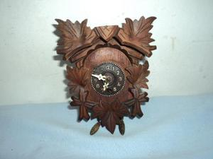 Antiguo reloj pared imita mini cucu para reparar o repuesto