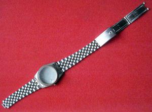 Antigua caja y malla de reloj se vende como se ve en las