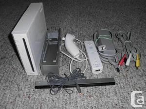 Wii = consola chipeada 3 controles juegos