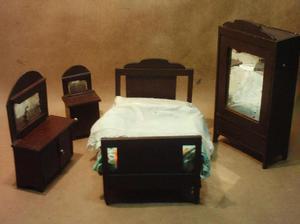 Antiguo juego de dormitorio para muñecas 1929