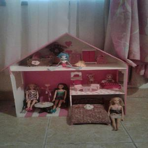 Casa de muñecas con todo incluido