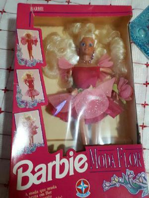 Muñeca barbie de coleccion moda flor