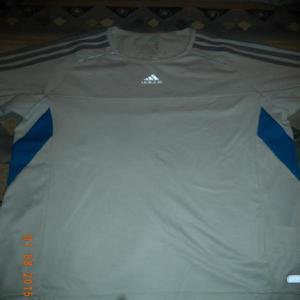 Remera adidas talle 10 impecable!