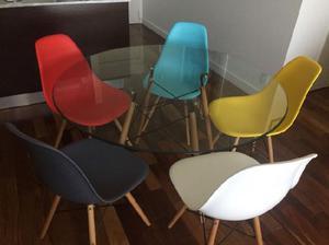Mesa eams 5 sillas de colores