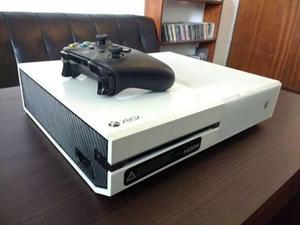 Xbox one 500 gb + joystick + 5 juegos