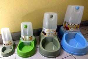 Bebedero automatico mascotas - 6,5 litros - importado