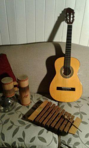 Guitarra criolla clásica y otros instrumentos