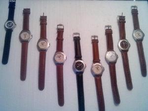Liquido lote de relojes y repuestos originales de primera