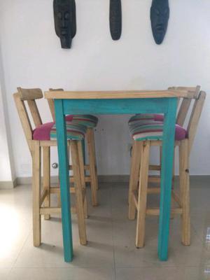 Juego de mesa y sillas comedor.