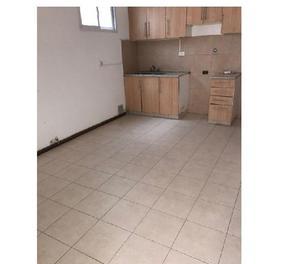 Ph en villa luro calle basualdo 2 cuadras de rivadavia