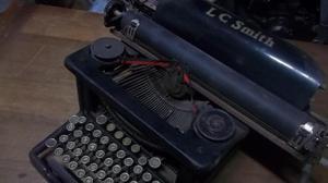 Antiguedad maquina de escribir l c smith