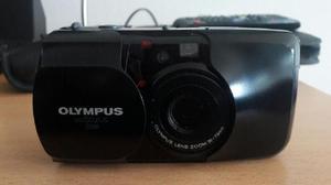 Camara fotografica olympus antigua, utiliza rollo!