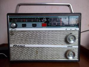 Radio antigua, caja de madera impecable !!!!
