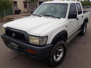 Toyota Hilux Modelo 2003. 4 X 2