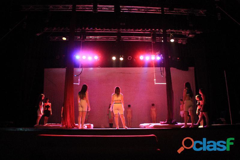 Trapecio, tela y aro en San Andres 3
