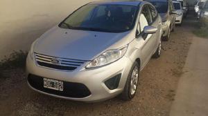 Ford fiesta kinetic trend - 2013 - 4 ptas - exelente -