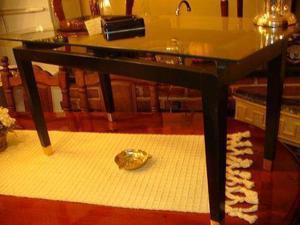 Mesa ratona de vidrio y madera maciza con apliques de