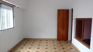 Alquiler ph 90 m2 pintado luminoso 2 dormitorios en
