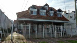 Ph 2 amb amplio con cochera cubierta jardín y patio amplio