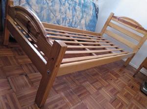 Juego completo 2 camas, 2 mesas luz, vajillero modular, mesa